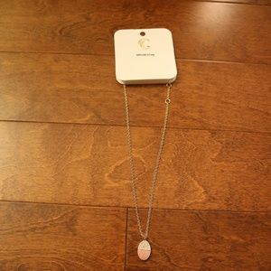 Short necklace with pink genuine stone